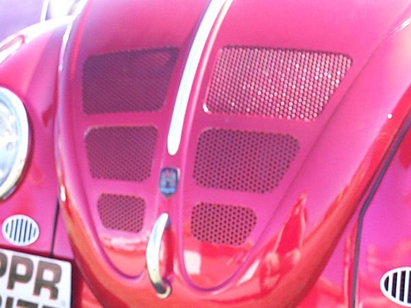 Mesh cut in to Beetle's bonnet/hood