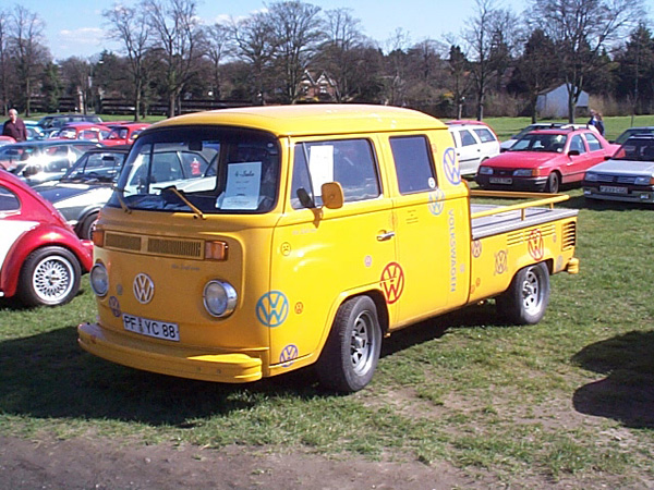 Yellow double cab pickup bay