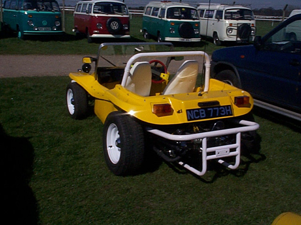 Yellow manta ray buggy in the car park